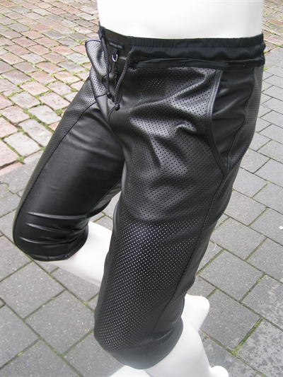 BROEK GILLIAN, Broek lederlook, knielengte, bitchproof, den bosch