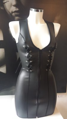 Rubber, Neoprene, dress, jurk, fetish, doorbitchproof